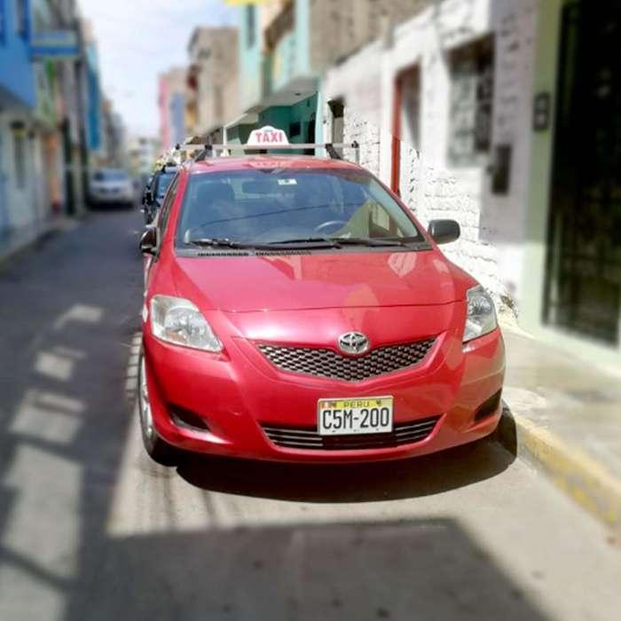 Toyota Yaris 2012 - 97000 km