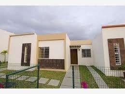 se vende casa de dos pisos rentable en la pradera de jamundi valle