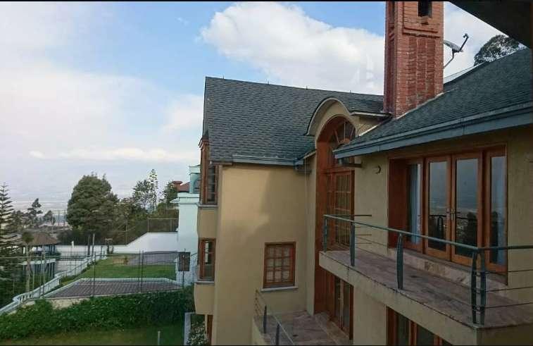 Casa de renta, alquiler, en Urbanización Campo Alegre, Monteserrín, Norte de Quito, Piscina