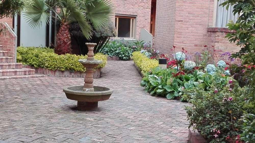 CHIA Venpermuto Amplia y Hermosa casa .