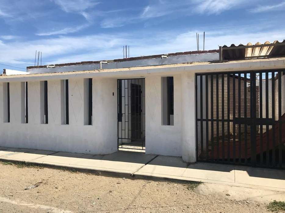 Se Alquila Casa Urb Sacobsa 940202143
