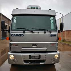 Camión Ford Cargo 1831 Usado | Chasis con cabina dormitorio