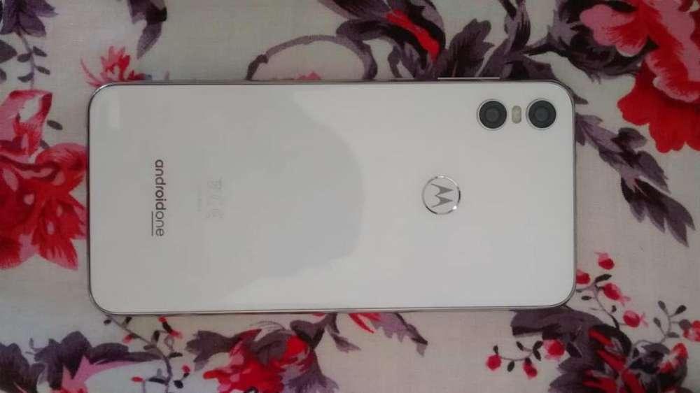 Motorola One 64gb de Memoria