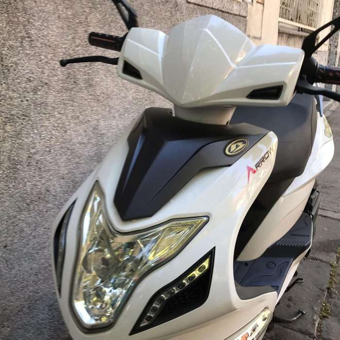 Moto Scooter Beta Arrow 150 R8 2017