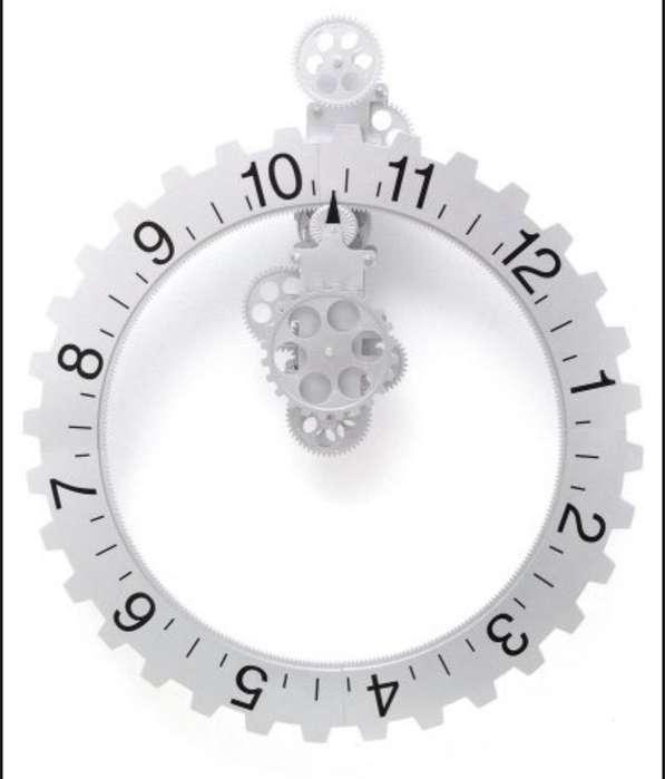 Reloj de Pared Novedoso Y Elegante
