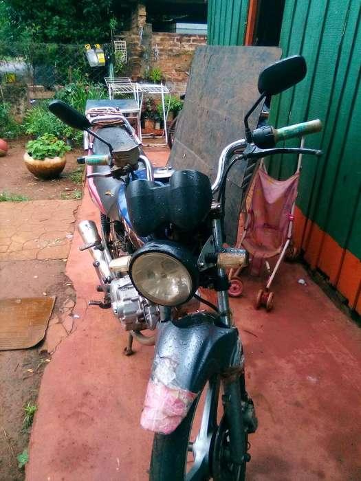 Vendo <strong>moto</strong> Apia 150 2009
