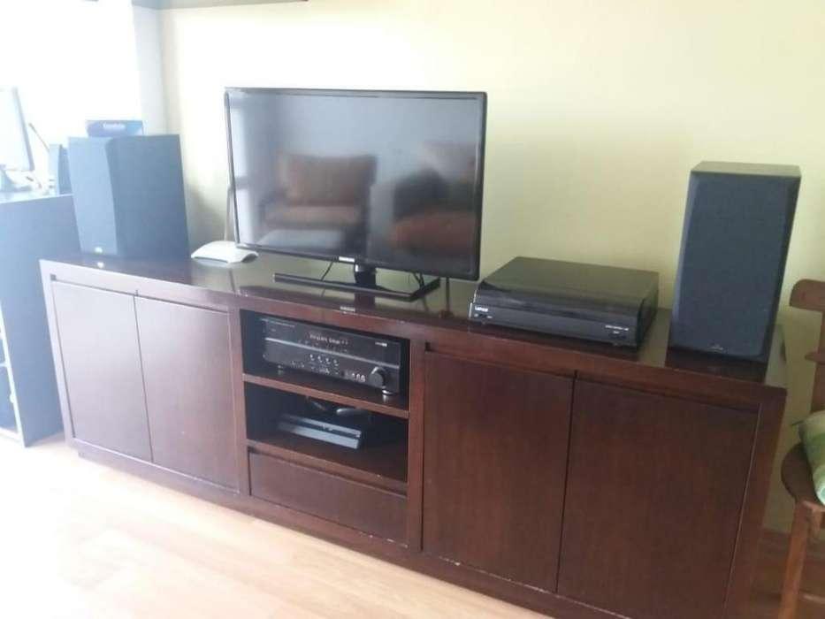 Mueble TV Excelente calidad