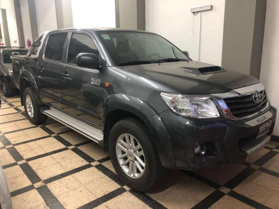 Toyota Hilux 2015 - 90000 km