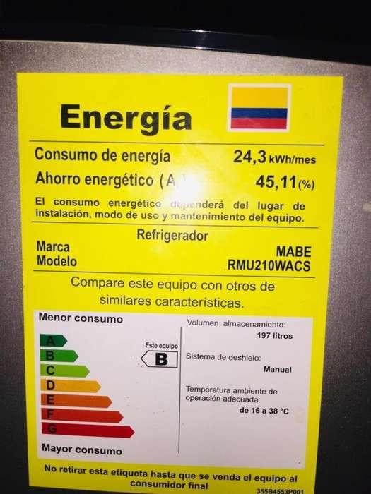 Vendo Nevera/Refrigerador MABE