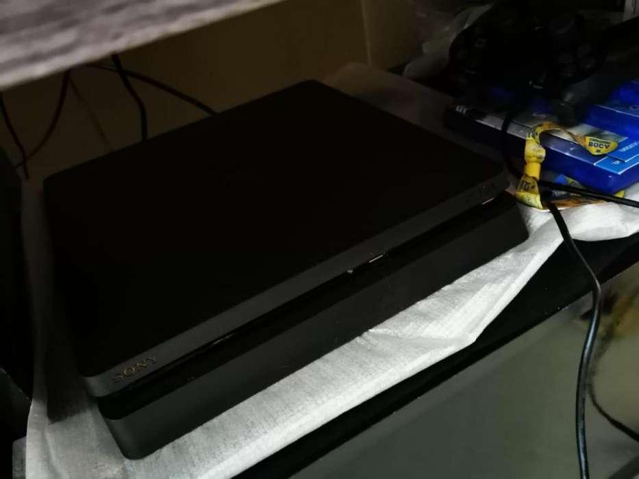 Playstation 4 de un 1 tera con 7 juegos