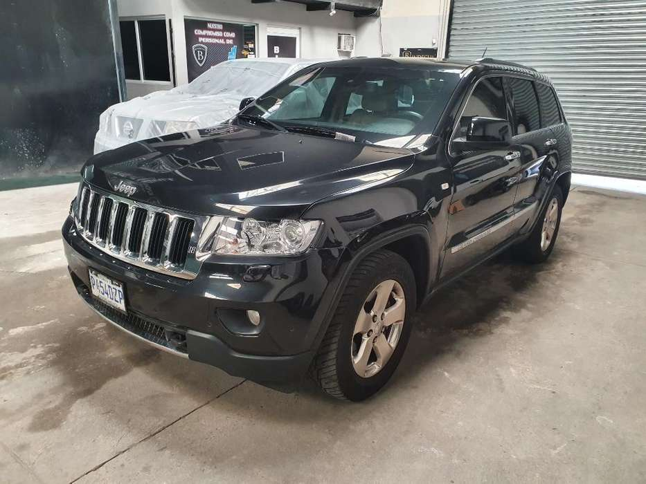 JEEP GRAND CHEROKEE 2011 - 85600 km