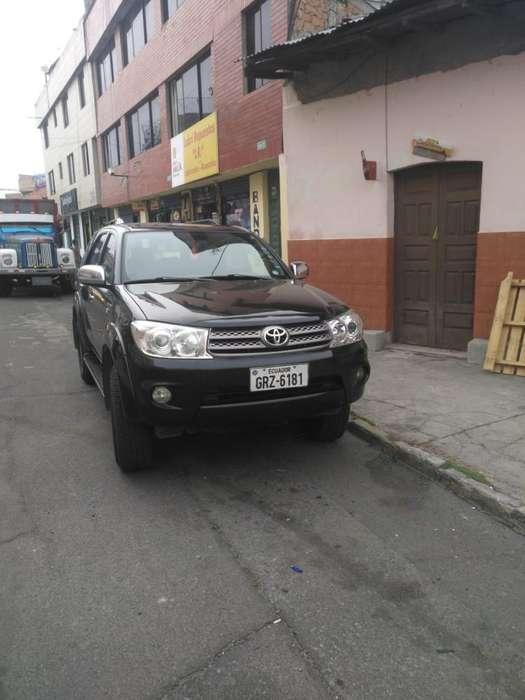 Toyota Fortuner 2011 - 170000 km