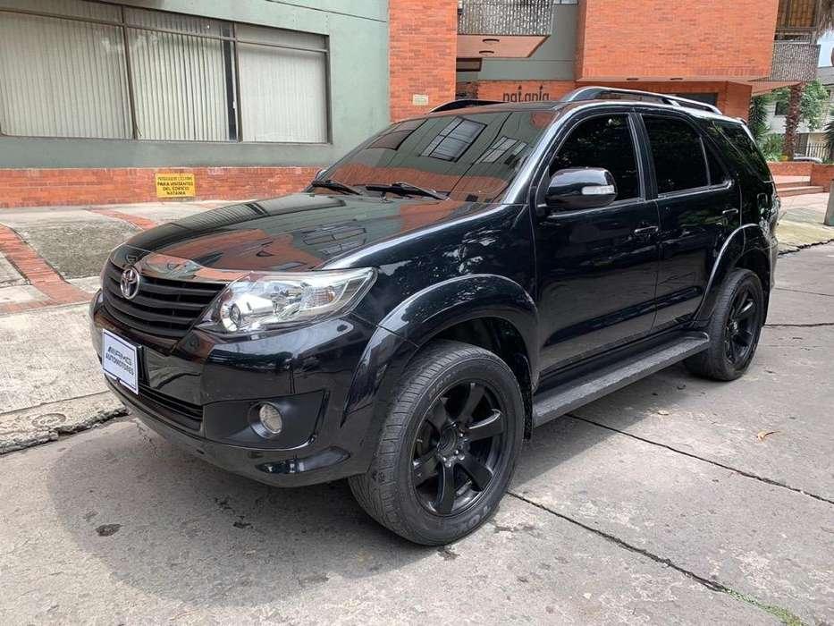 Toyota Fortuner 2013 - 85000 km