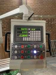 Fresadora univeral ISO 40 KNUTH cabezal URON  SINO visualizador