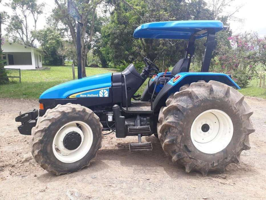 Se Vende New Holland Tl95