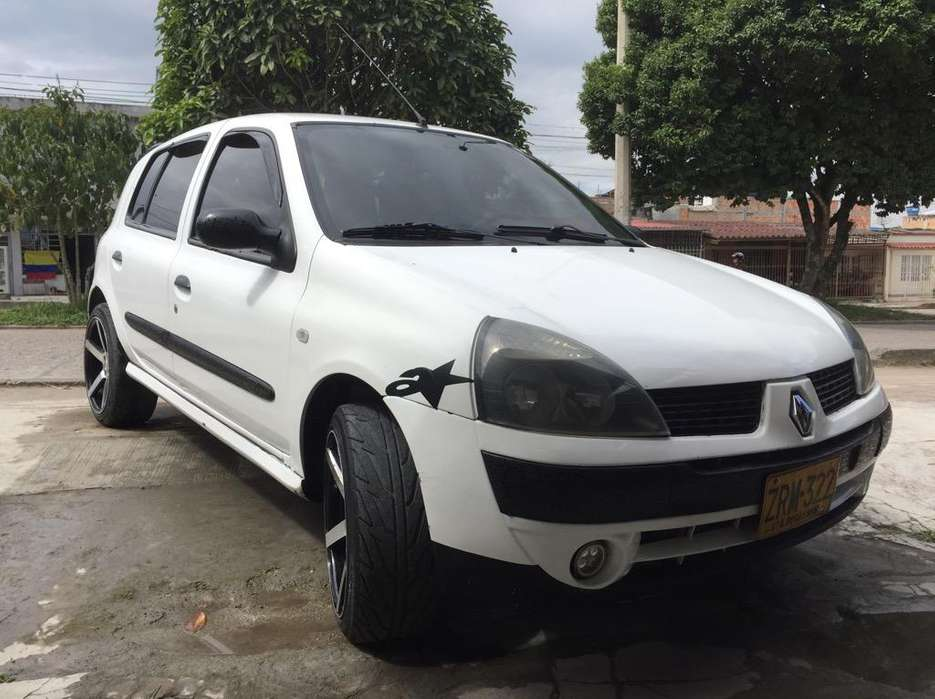 Renault Clio  2005 - 220000 km