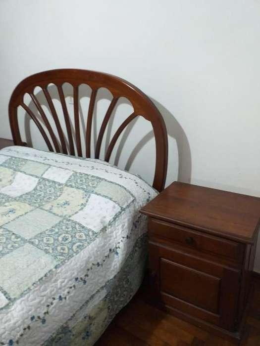 <strong>cama</strong> de dos plazas de algarrobo