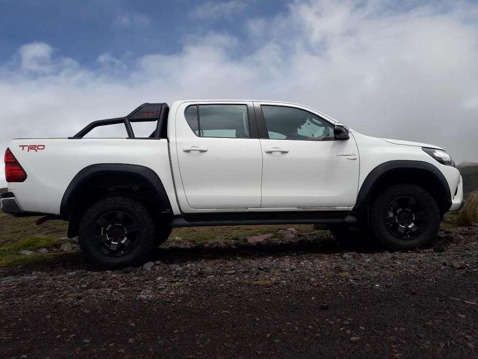 Toyota Hilux 2019 - 17000 km