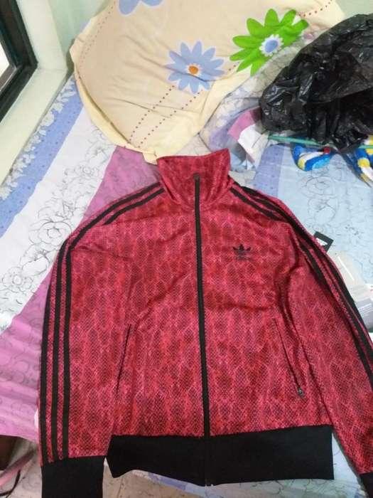Vendo Chaqueta Adidas Original Negociabl