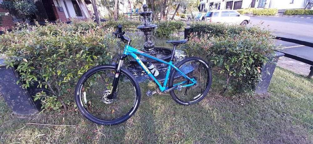 Bicicleta Trek X-caliber