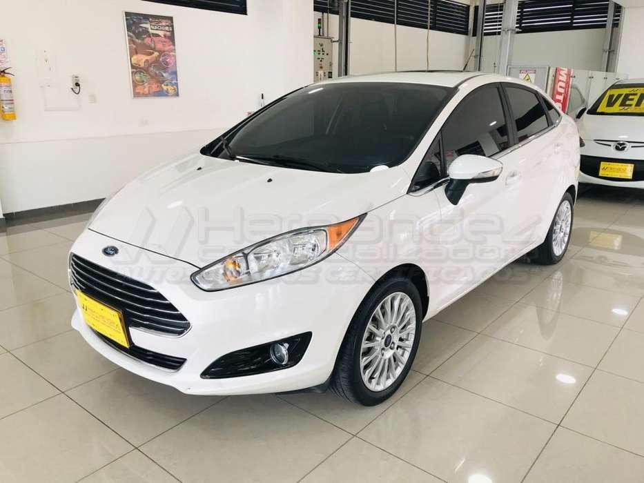 Ford Fiesta  2016 - 22100 km