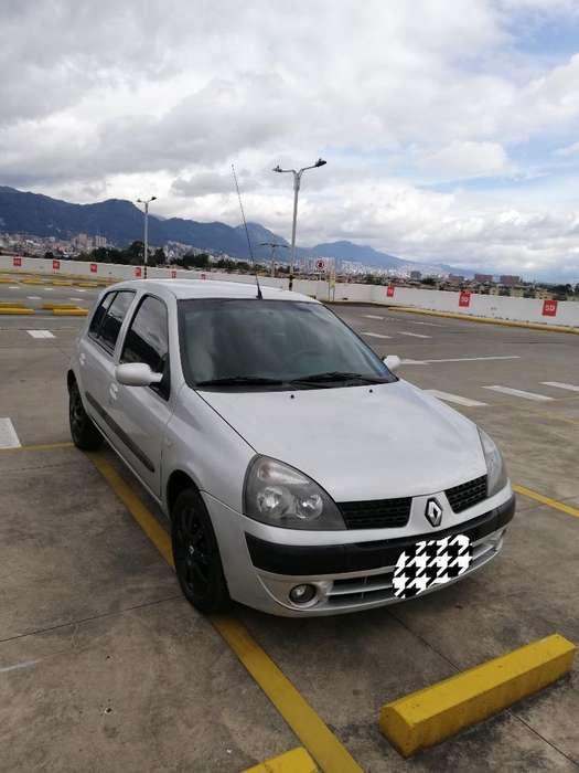 Renault Clio  2008 - 121600 km