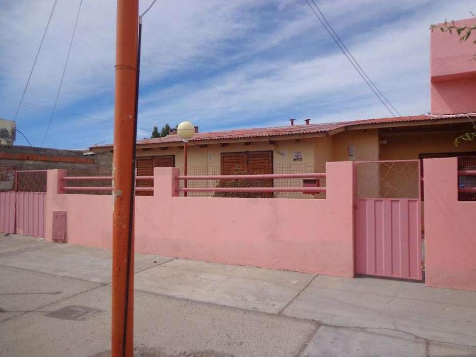 Casa de 2 dormitorios con garage en Pico Truncado totalmente amueblada