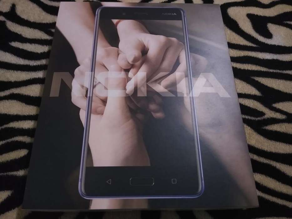 Vendo Nokia 8