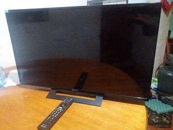 """REMATO (POR SALUD) TELEVISOR SONY LED """"32"""" PULGADAS ENTRADA USB, HDMI. CONTROL REMOTO (s/.600)"""