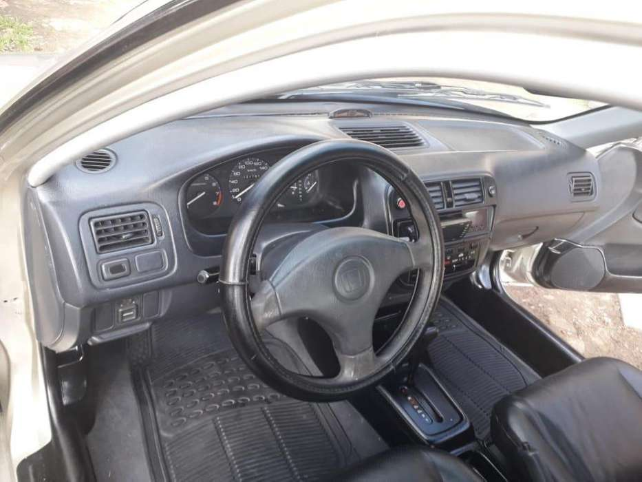 Honda Civic 1999 - 221869 km