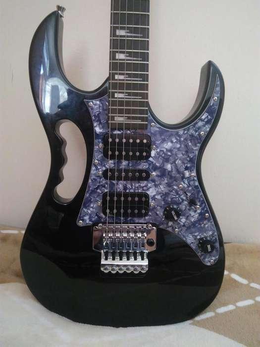 Vendo guitarra eléctrica stratocaster Floyd Rose