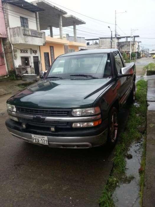 Chevrolet Silverado 2001 - 280000 km
