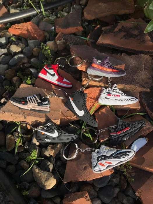Llaveros Sneakers