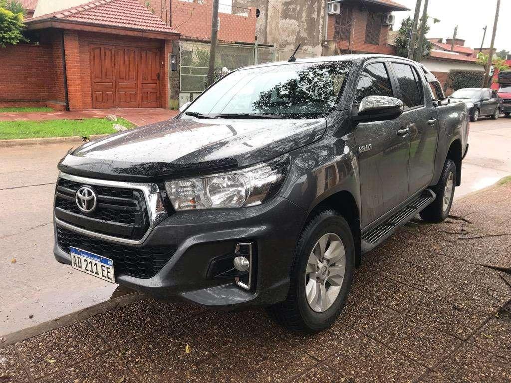 Toyota Hilux Srv 2.8 D/C 2018