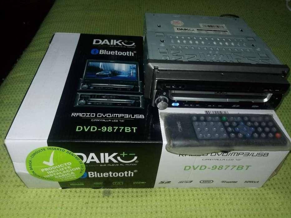 Radio Daiko Pantalla Motorizada Dvd