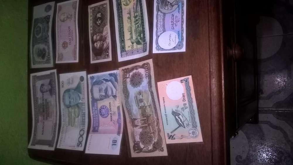 Billetes de diferentes paises