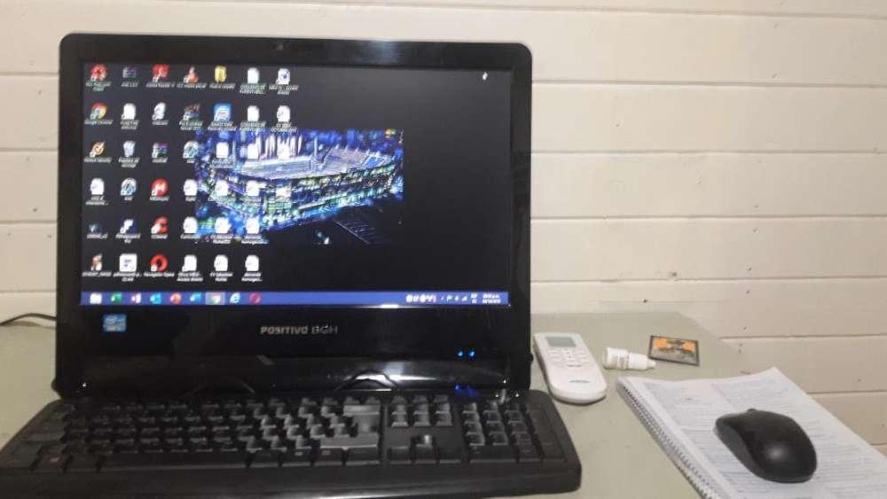 Computadora con <strong>monitor</strong> BGH IMPECABLE
