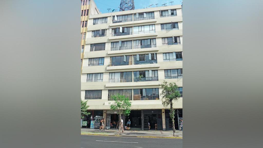 Confortable Departamento en Av. Bolivia  00686