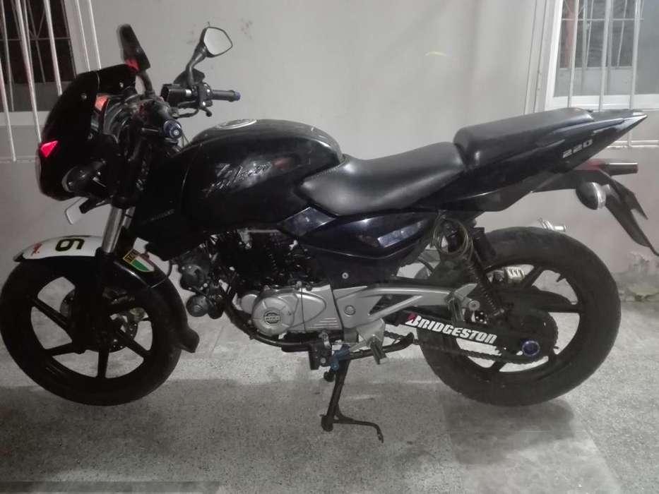 Vendo Moto Pulsar 220