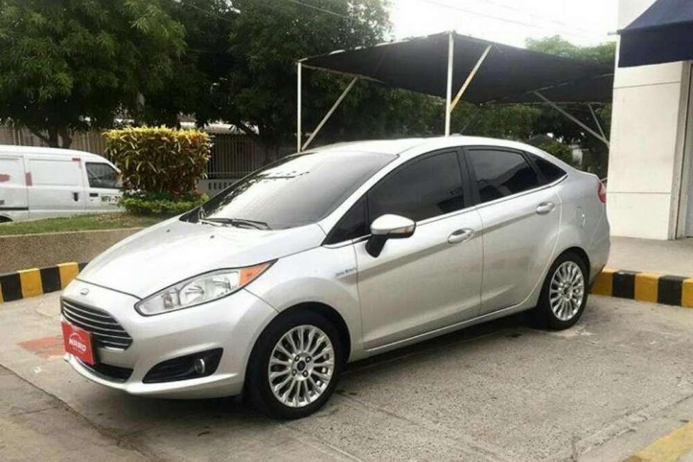 Ford Fiesta  2014 - 73000 km