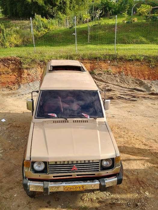 Mitsubishi Campero 1985 - 223000 km