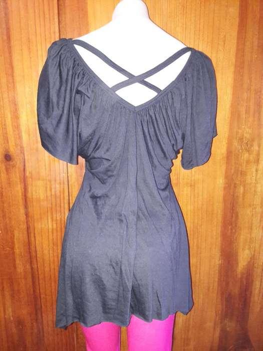 Remera de mujer amplia se adapta al cuerpo y queda muy elegante!