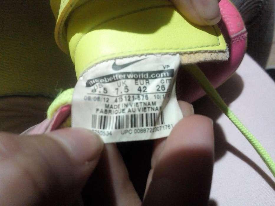 Botines Nike Semi Nuevo