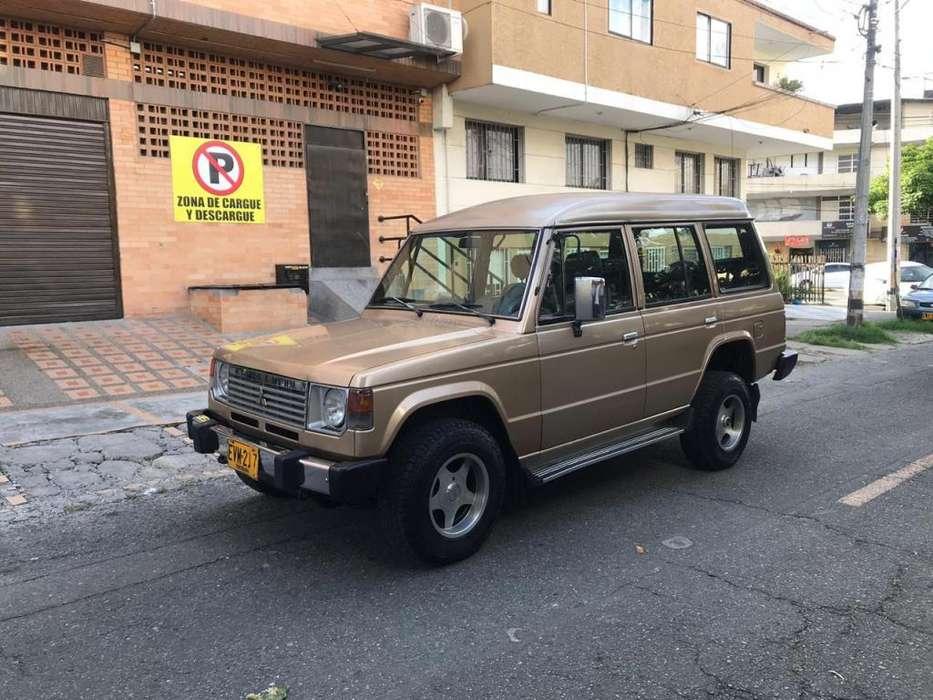 Mitsubishi Montero 1993 - 265000 km
