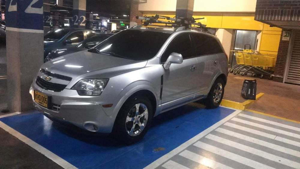 Chevrolet Captiva 2011 - 77000 km
