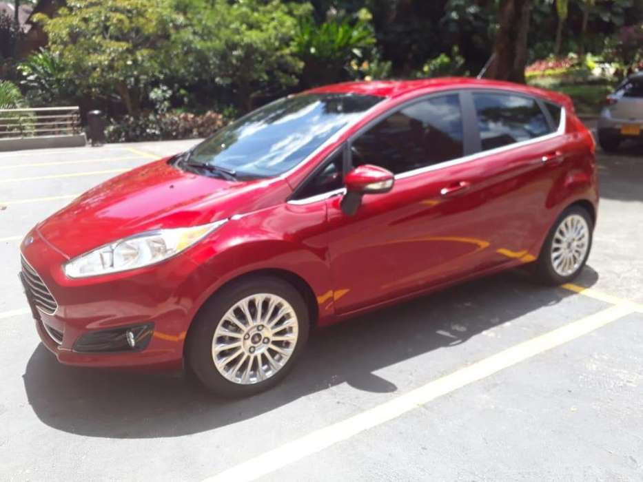 <strong>ford</strong> Fiesta  2015 - 28400 km