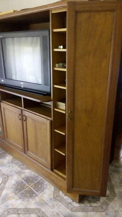 Mueble de Roble Antiguo