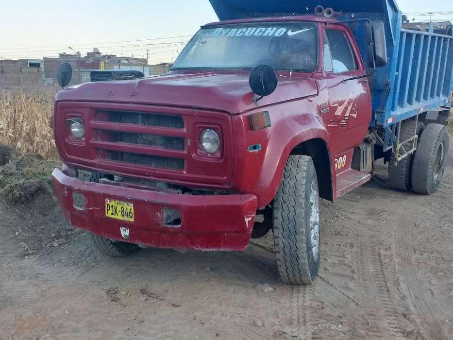 Vendo Volquete Dodge 800