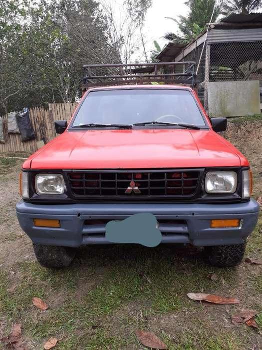 Mitsubishi L-200 1995 - 450857 km