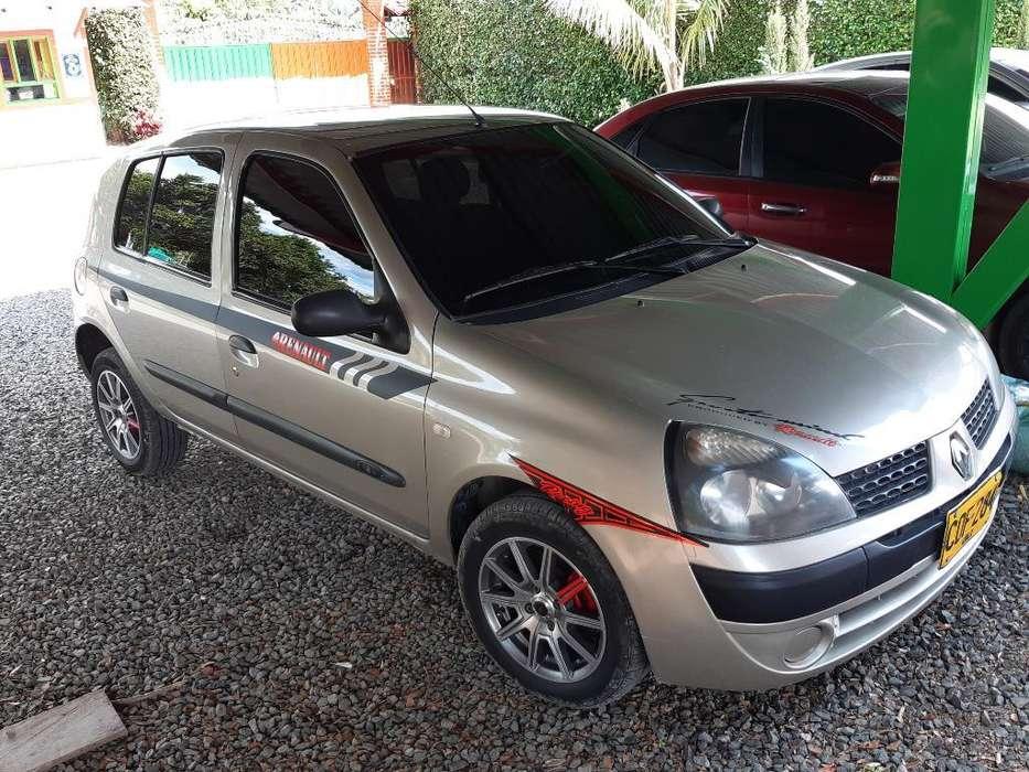 Renault Clio  2006 - 138000 km